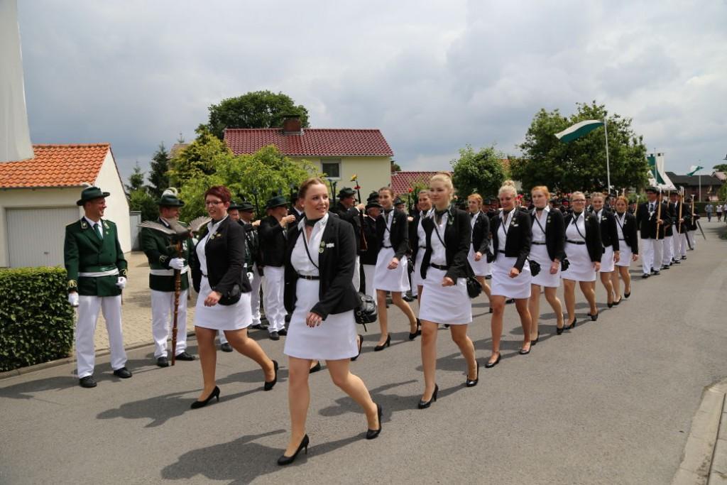 Die Damengarde marschiert
