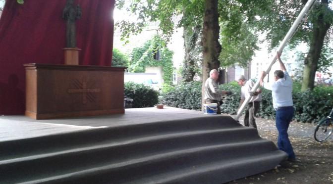 Mariä-Himmelfahrts-Altar an der Marienkirche aufgebaut 2015